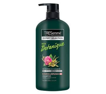 TRESemmé Botanique Nourish and Replenish Shampoo 580ml (67222779)