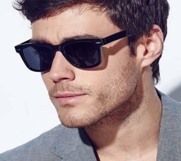 Plastic Shell Framed POLARIZE Sunglasses for men