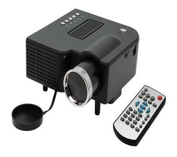 UNIC Digital Projector UC28