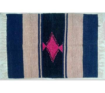 Handloom shotoronjy floor mat