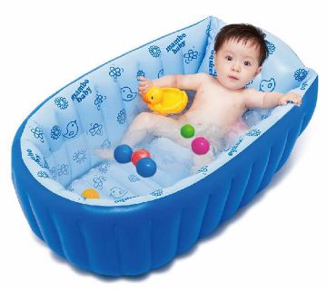 Inflatable bathtub for baby