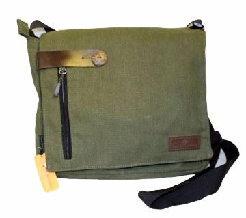 Medium Messenger Shoulder bag
