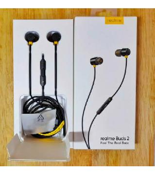 Realme 2 in One Earbuds