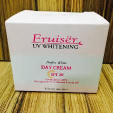 Fruiser UV ডে ক্রিম (Malaysia)