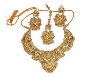 Gold plated crystal jewelry set