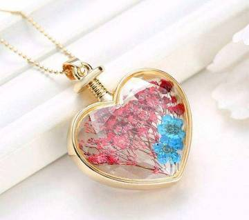 Heart shaped stone setting pendant for ladies