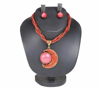Boishakhi moon shaped necklace set