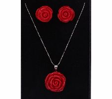 Rose shaped Exclusive Crystal pendant