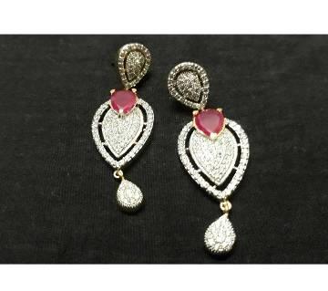 Diamond cut earring