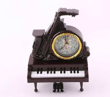 Piano clock showpiece