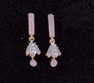 Zircon Diamond Cut Stone Setting Earring