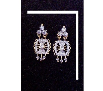 Diamond Cut Stone Setting Earrings
