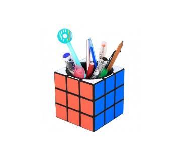 Rubicks cube shape pen holder