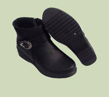 Ladies Chain Boot