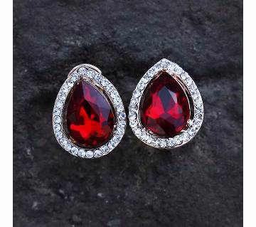 Red Stone Setting Ear Ring
