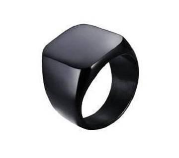 Black Delma Finger Ring for Men