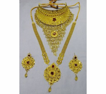 Red stone setting gold plated necklace set