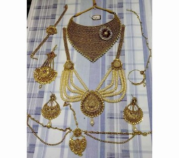 Gold plated full jewellery set