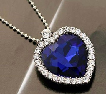 Blue Stone Setting Heart Shaped Pendant