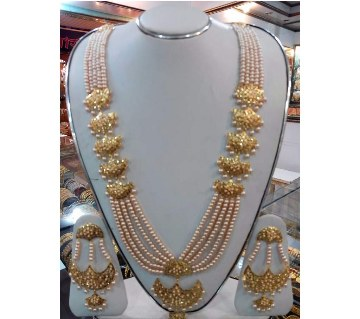 Gold plated pearl setting necklace set