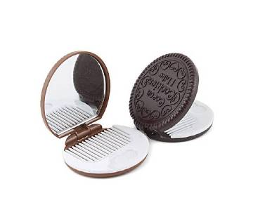 cookies mirror with comb