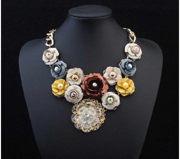 Collar Floral Design Necklace