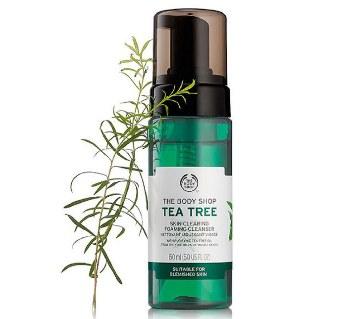 The Body Shop Tea Tree স্কিন ক্লিয়ারিং ক্লিনজার1