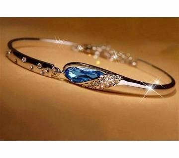 Blue and white stone setting bracelet