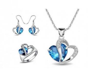silver plated crystal and metal heart plated pendant set with attractive finger ring