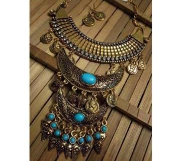 Multi layer antique necklace set