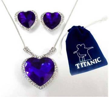 Titanic হার্ট শেপড পেনড্যান্ট সেট