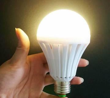 Auto Charging 12W LED Bulb