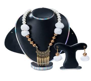 Golden  Stone Setting Jewellery Set