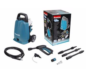 Lightweight and compact power washer