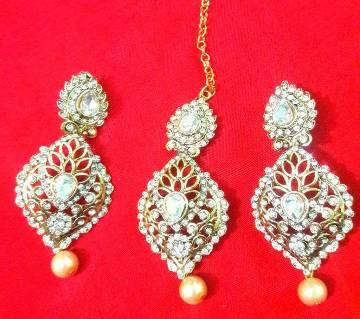 Stone setting earrings with tikli
