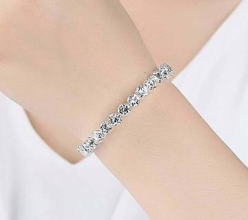 Ladies stone setting bracelet