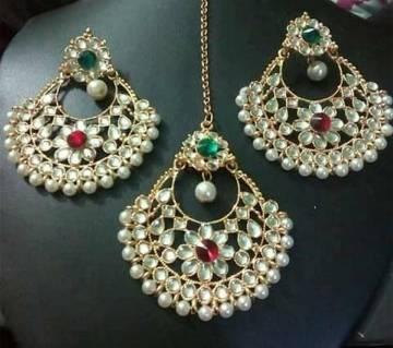 Ladies Stone Setting Earrings With Tikli