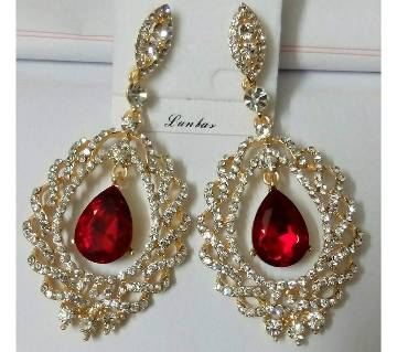 Ladies stone setting earrings