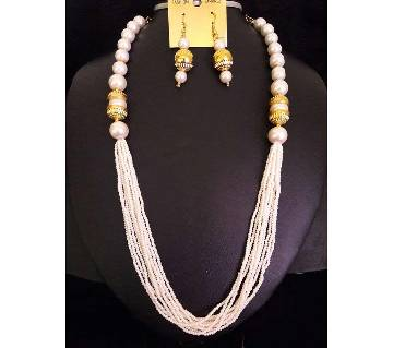 Ladies artificial pearl setting necklace with earrings