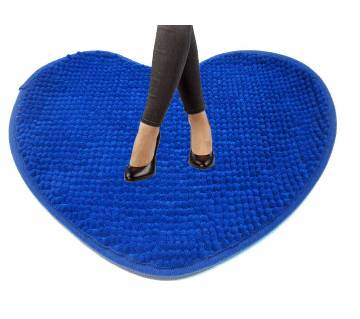 Heart shaped floor mat 50 x38 cm