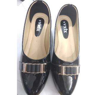 Ladies Pummy Shoes