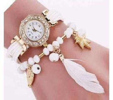 White Alloy PU Leather Wrist Watch for Women