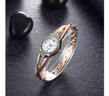 Golden Alloy Bracelet Watch for Women