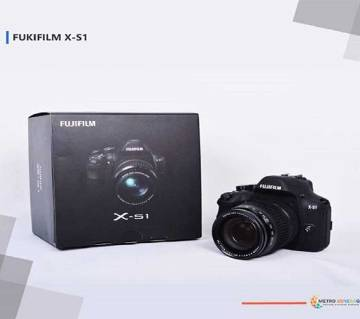 Fuji Film X-S1 ডিজিটাল ক্যামেরা