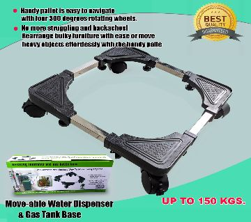 Special base for drinking fountain gas bottle