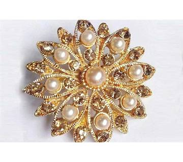 CRYSTAL GOLD PLATED PEARL BROOCH