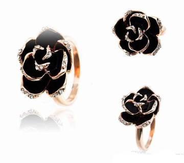 Diamond Cut Rose Finger Ring