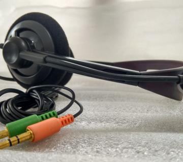 Mix black Headphone with Microphone