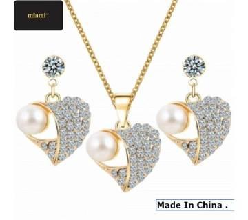 Romantic Heart Pearl Pendant with Earrings
