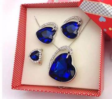 HEART Shaped Pendent Set